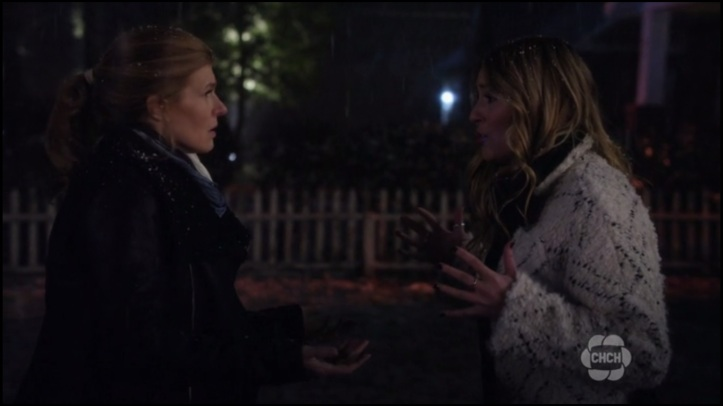 Rayna and Maddie fight-snow-417